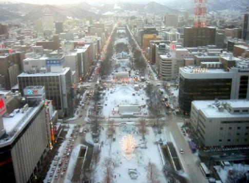 Tung bung le hoi tuyet tai Sapporo