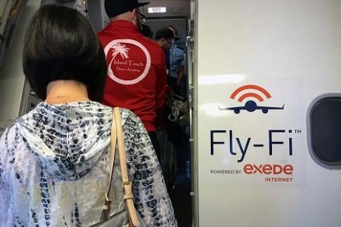 Wifi mien phi tren may bay – khong la chuyen vien tuong