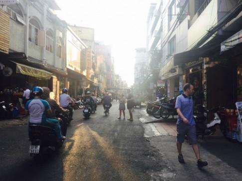 24h o khu pho Tay Sai Gon