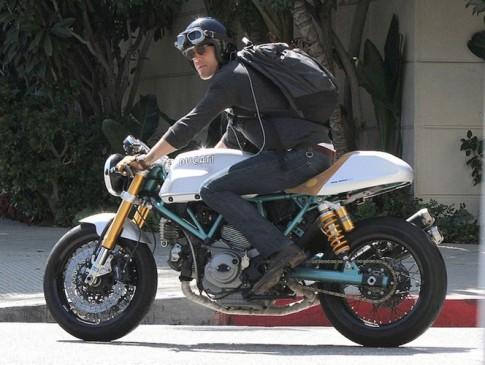 Anh Hùng siêu bựa Deadpool và bộ sưu tập xe mô tô hàng khủng