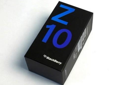 Anh thuc te BlackBerry Z10 mau trang