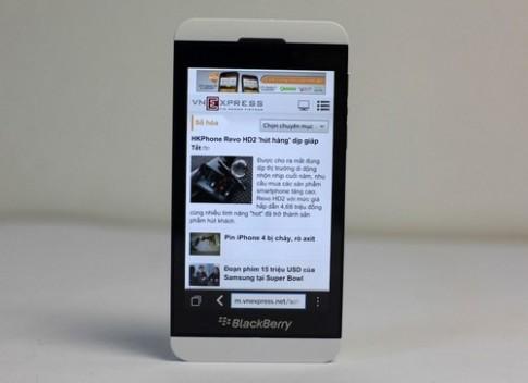 Anh thuc te BlackBerry Z10 phien ban mau trang