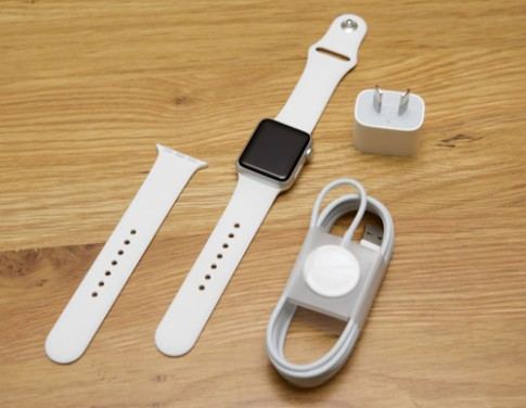 Apple Watch co mat tai Viet Nam voi gia tu 23,8 trieu dong