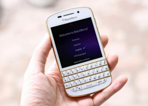 BlackBerry ban Q10 Gold ban dac biet o VN