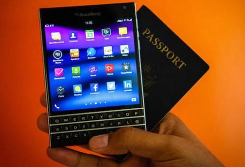 BlackBerry Passport dang la trinh lang, gia tu 599 USD