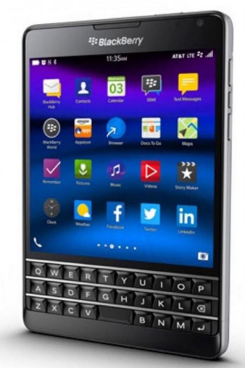 BlackBerry Passport thiet ke moi sap duoc ban tai My