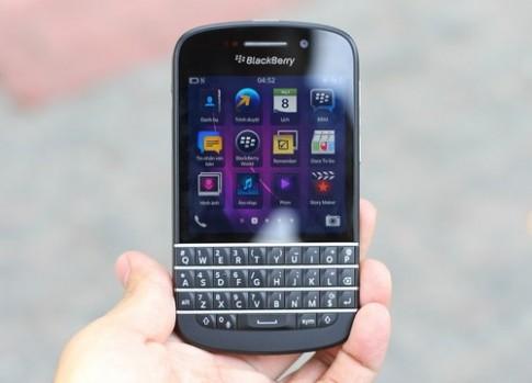 BlackBerry Q10 ve VN voi gia hon 20 trieu dong