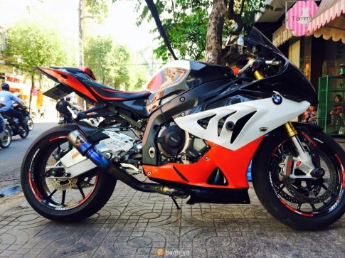 BMW S1000RR ban do dam chat the thao