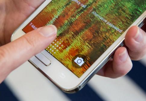 Cam bien van tay tren Galaxy S5 da bi vuot qua