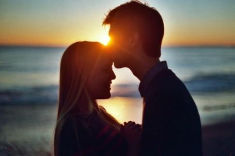 Chẳng ai giữ được tình yêu, khi nó không còn thuộc về mình nữa...