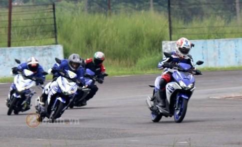 Chạy thử Yamaha Aerox 125 2016