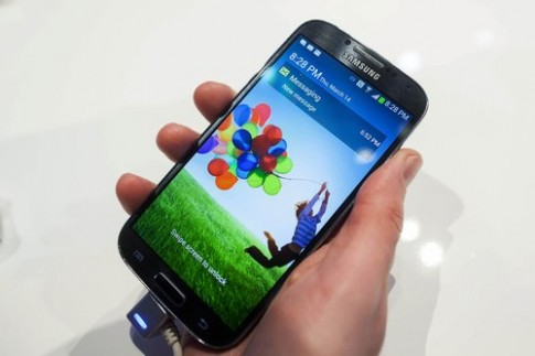 Galaxy S4 co gia chua toi 600 USD tai My