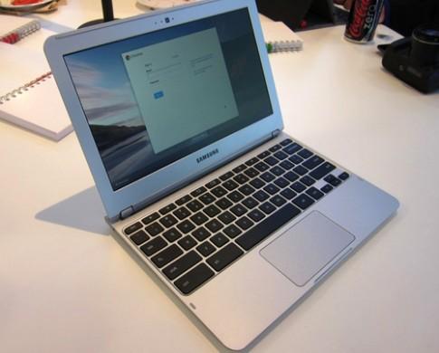 Google co the sap ra Chromebook man hinh cam ung