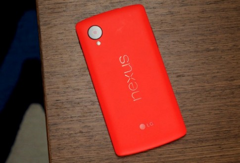 Google tung ra Nexus 5 mau do voi gia tu 349 USD