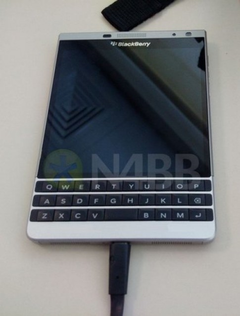 Hinh anh ro rive BlackBerry Olso
