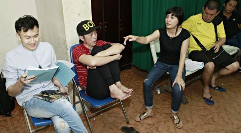 Hoài Linh mệt nhoài tập luyện cho liveshow 2016