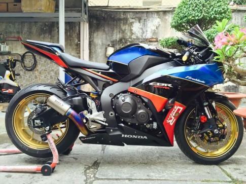 Honda CBR1000RR Black Edition độ đầy phong cách của biker Đồng Nai