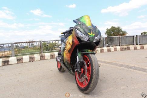 Honda CBR1000RR do phien ban BOB Marley