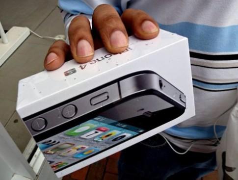 iPhone 4S tai Hong Kong duoc dat hang 'het veo' trong 10 phut