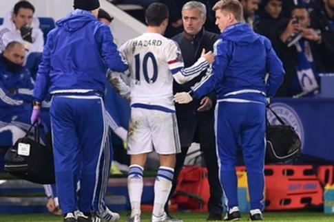 "Jose Mourinho lai cay dang tuyen bo: minh bi cac hoc tro ""phan boi"""