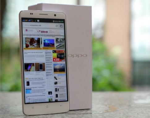 Mo hop smartphone 5,5 inch tam trung gia hap dan