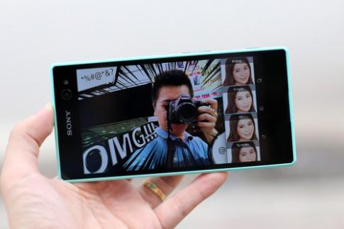 Mo hop Sony Xperia C3 - smartphone chuyen chup anh selfie