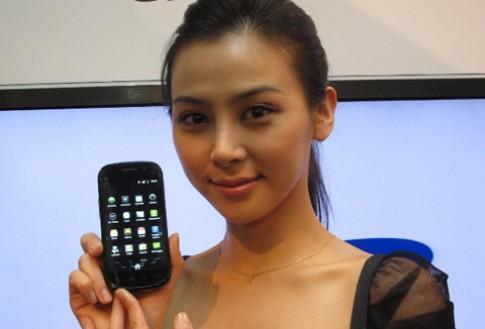 Nexus S phien ban Super Clear LCD ban o Hong Kong