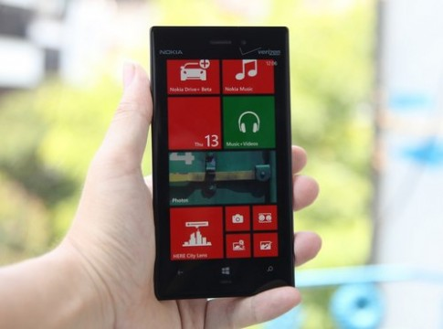 Nokia Lumia 928 - ban sao cua Lumia 920 co mat o VN