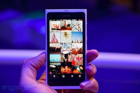 Nokia trinh lang N9 mau trang