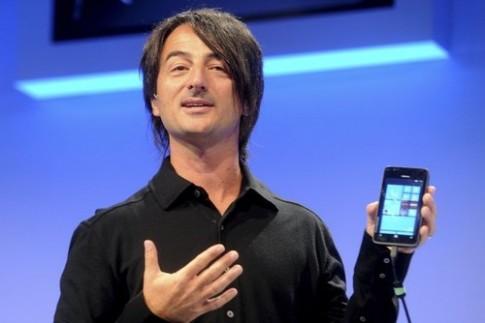 Quan chức Microsoft để lộ ảnh chụp từ điện thoại Nokia 41 'chấm'