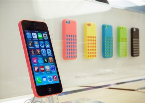 San luong iPhone 5C co the giam mot nua