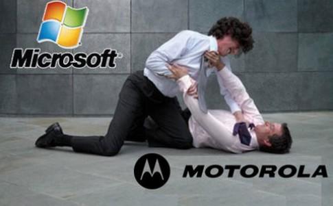 Smartphone Motorola bi cam ban o Duc