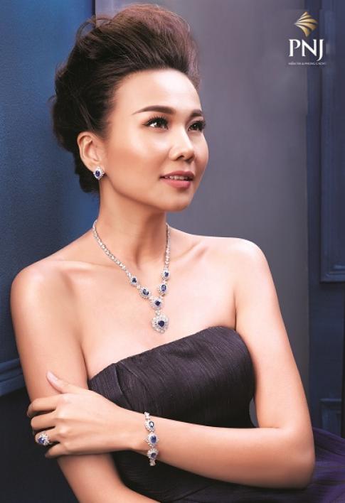 Thanh Hang bat mi qua tang cho phai dep