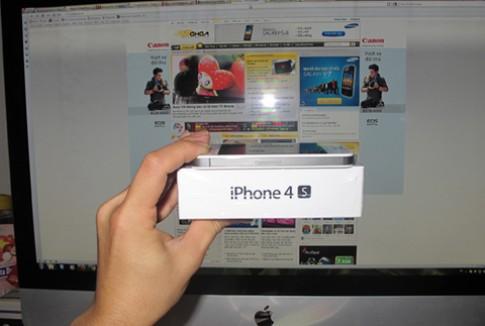 Viec iPhone 4S ve VN bi nghi la gia