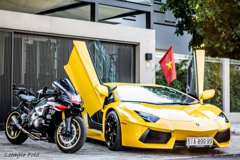 Yamaha R1 2015 đọ dáng cùng Lamborghini Aventador tại Việt Nam
