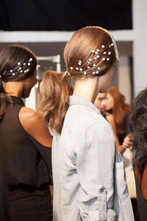 """5 kiểu tóc cứu cánh bạn trong những ngày """"đầu bù tóc rối"""""""
