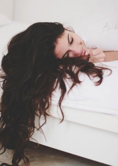 8 lý do gây rụng tóc bạn vô tình mắc phải khi làm đẹp hàng ngày