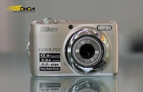 Bo ba may compact gia re cua Nikon