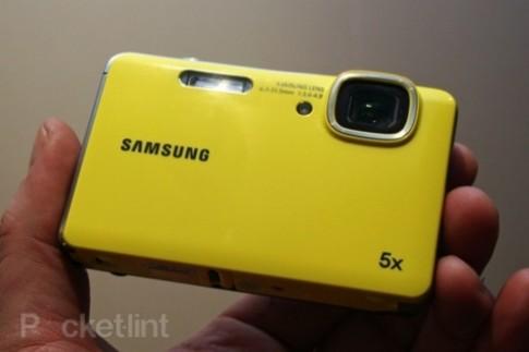 Camera chiu nuoc gia re cua Samsung