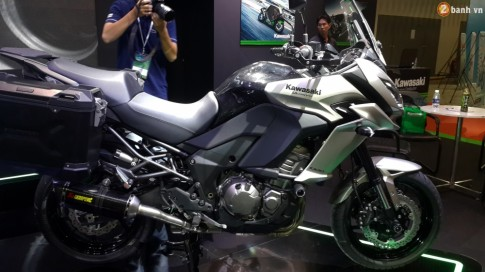 Cận cảnh mẫu xe thể thao đường trường Kawasaki Versys 1000 ABS đầu tiên tại Việt Nam