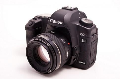 Canon nang cap firmware cho 5D Mark II
