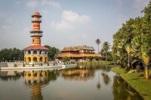 Cau chuyen thuong tam trong Cung dien Mua he o Thai Lan