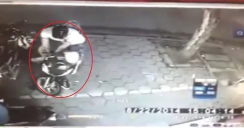 [Clip] Bẻ trộm Sh trong vòng tích tắc