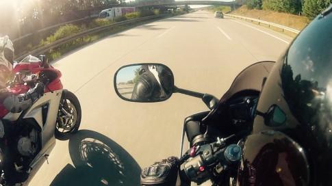 [Clip] Man so tai toc do kich tinh giua Yamaha R6 va MV Agusta F3