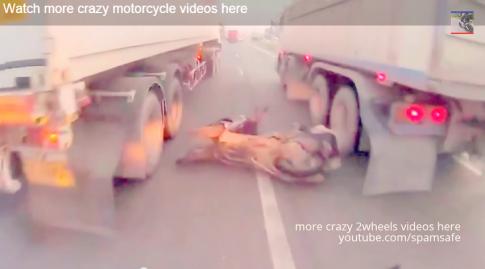 [Clip]Điều khiển moto thoát chết trong gan tấc