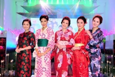 Dàn mĩ nhân showbiz Việt hội tụ khiến fan tò mò, thích thú