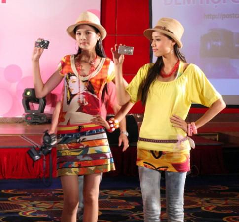 Đan Trường và Yến Trang tại đêm hội Cyber-shot ở Hà Nội