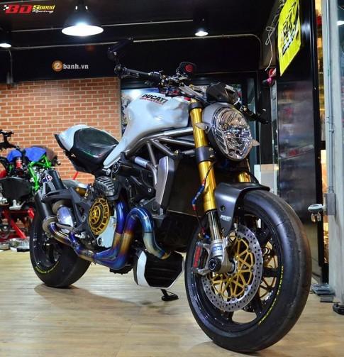 Ducati Monster 1200 do cuc khung cung dan do choi dat tien