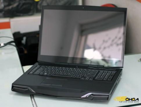 'Hang khung' Alienware M18x tai VN
