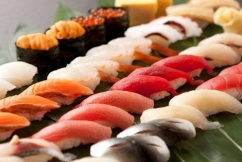 Hoc cach an sushi dung dieu nhu nguoi Nhat